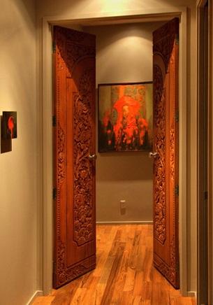 распашная межкомнатная деревянная дверь