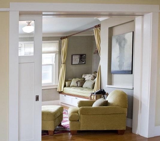 Раздвижная дверь с открытием в стену из натурального дерева